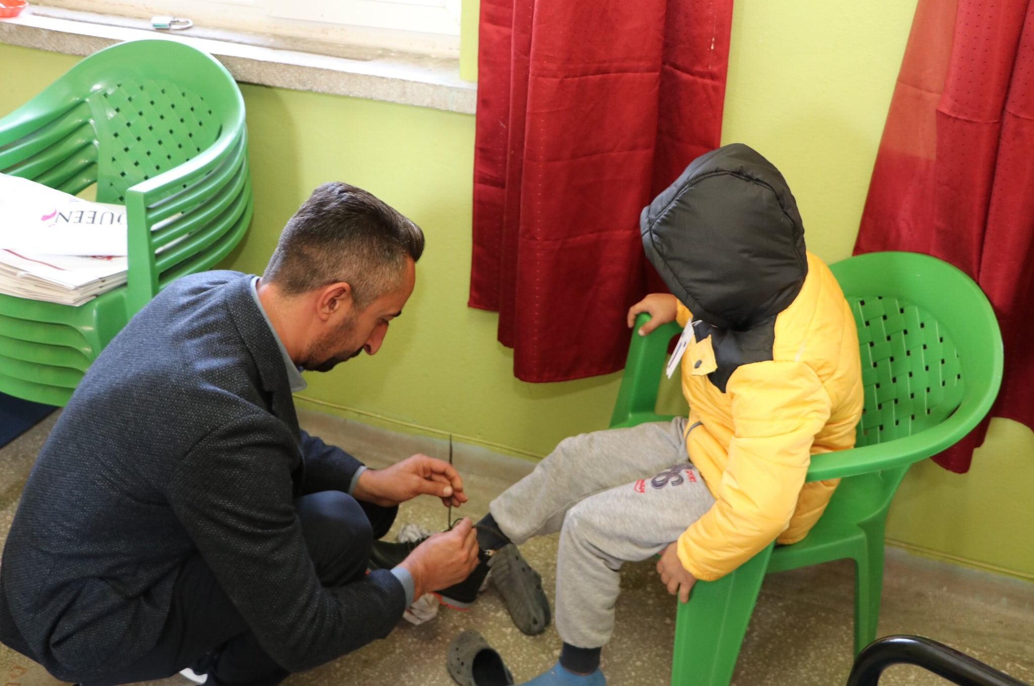 Elazığ'da Çocuklara Kışlık Kıyafet Yardımı Yapıldı